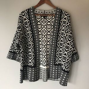 Forever 21 black and white cardigan size small